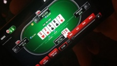 Karma loveste din nou! Hai la poker!